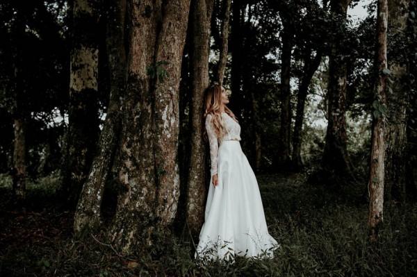 lush-bohemian-australian-wedding-at-maleny-retreat-26-600x399