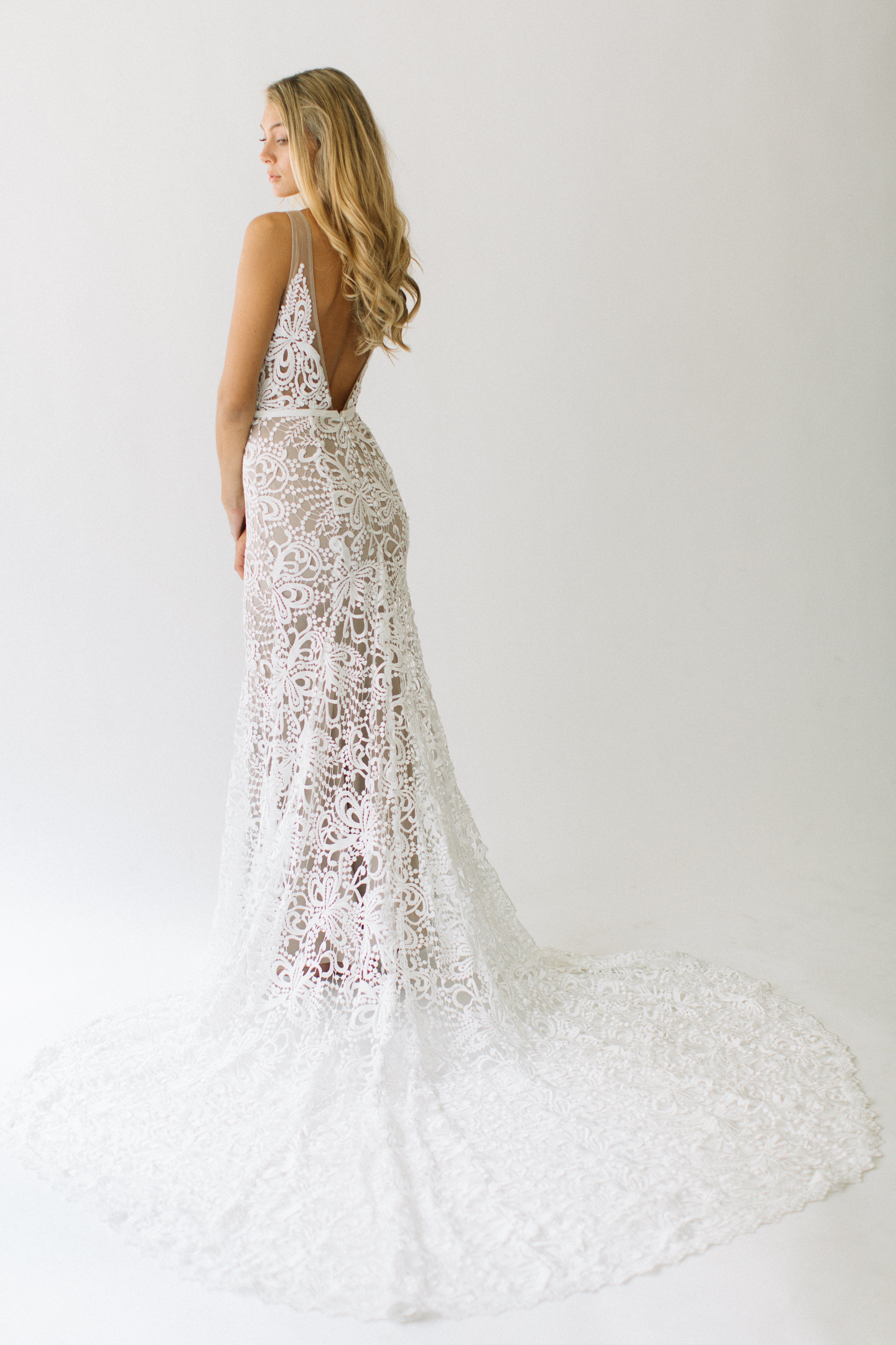 The Very Best Wedding Dresses For Curvy Brides B Loved